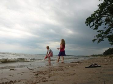 Järve rannas,