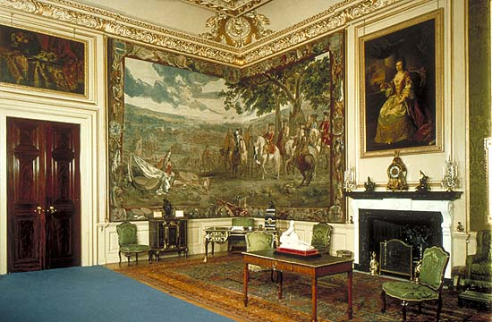 https://i2.wp.com/www.timetravel-britain.com/articles/1photos/houses/Blenheim1-BOV.jpg
