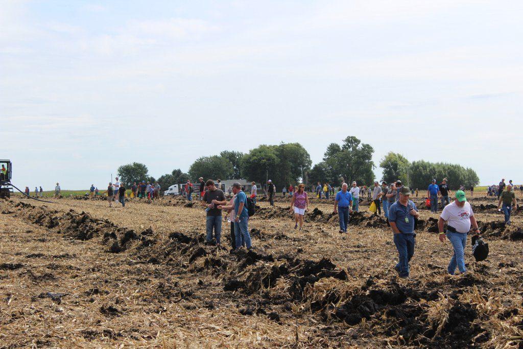 tiling demonstrations at farm progress