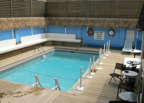 oasis_aqualounge_pool_500x359