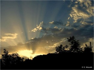 Ighil Bougueni - Magestueux lever du soleil sur le village (2) - Salem Mezaib