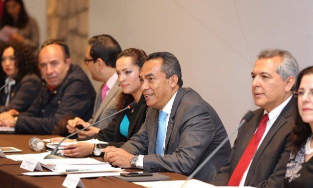 Avanza Michoacán en fomento de derechos de Niñas, Niños y Adolescentes: Adrián López
