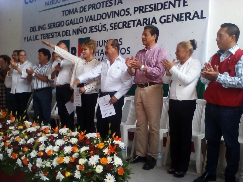 Víctor Silva toma protesta a nuevos integrantes de Democracia Nueva