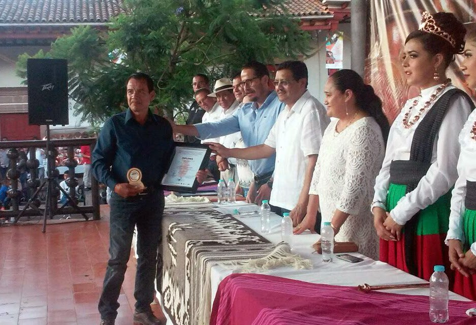 Premian a artesanos del 72 Concurso de Cobre Martillado