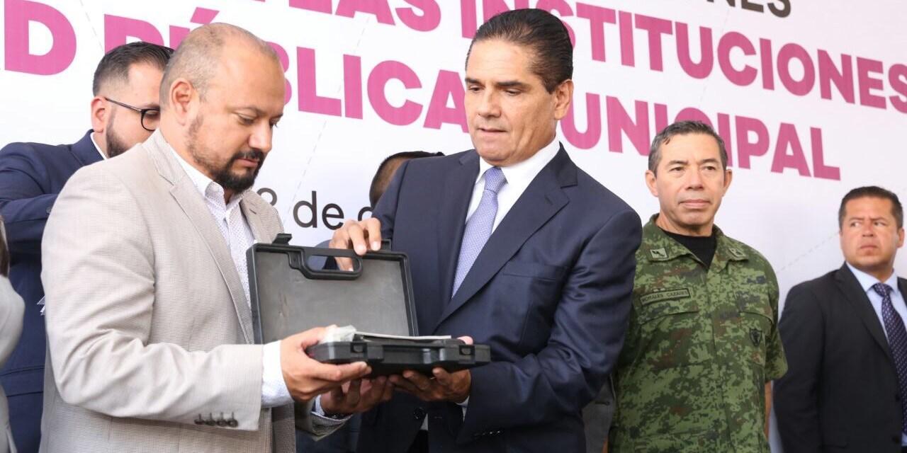 Entrega Gobernador Base de Unidad de Restablecimiento del Orden Público
