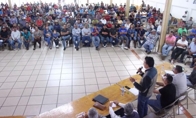 Titular de SEMACCDET pide a productores de la ciénaga de Zacapu propuestas para mitigar daños ecológicos