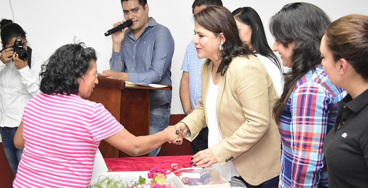 Palabra de Mujer beneficia a emprendedoras de Zinapécuaro