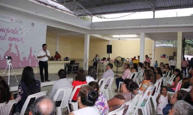 Alcalde reitera su compromiso de apoyar a las mujeres