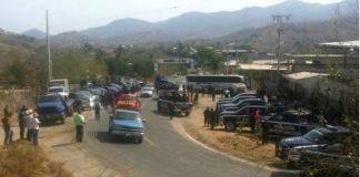 Recupera tres vehículos secuestrados por normalistas de Arteaga
