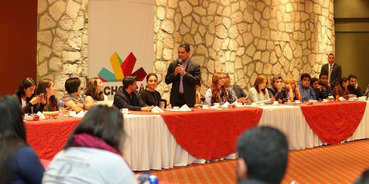 Reconoce Silvano Aureoles labor de periodistas de la fuente de Gobierno