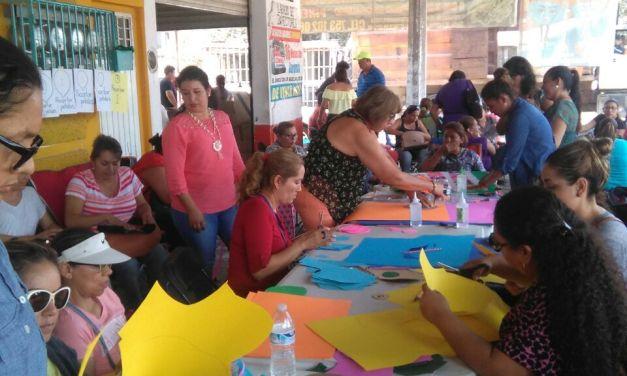 Protesta CNTE dando talleres de manualidades de Bisutería Artesanal en LC