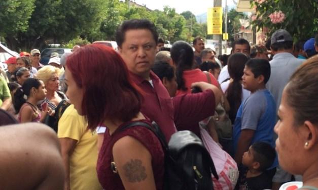 Revientan asamblea de Morena por designación de candidato a regidores en LZC
