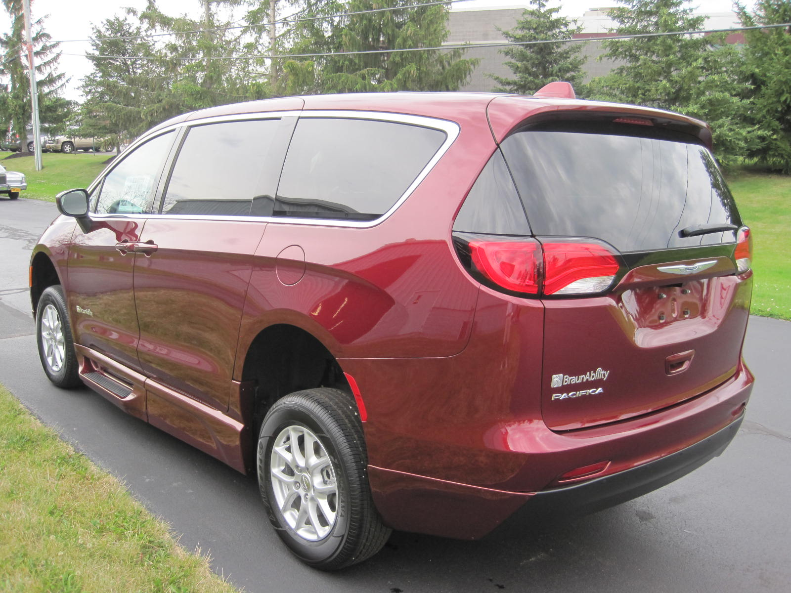 2018 Chrysler Pacifica With Braun Entervan Ii Conversion