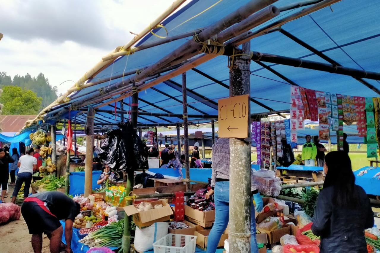 Menjelang Ramadhan Harga Sembako di Pasar Tradisional Mamasa Masih Normal