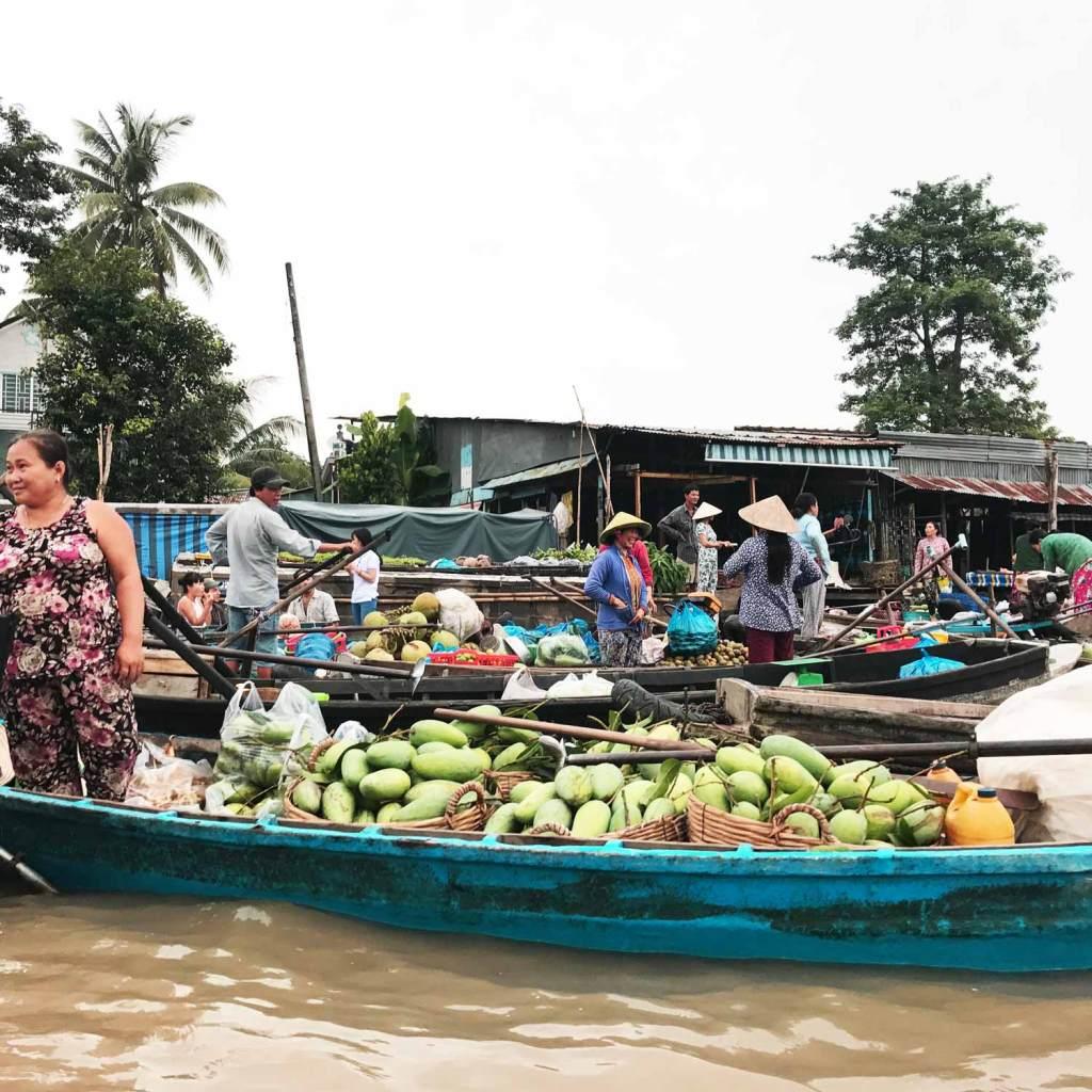 cai-rang-floating-market-2