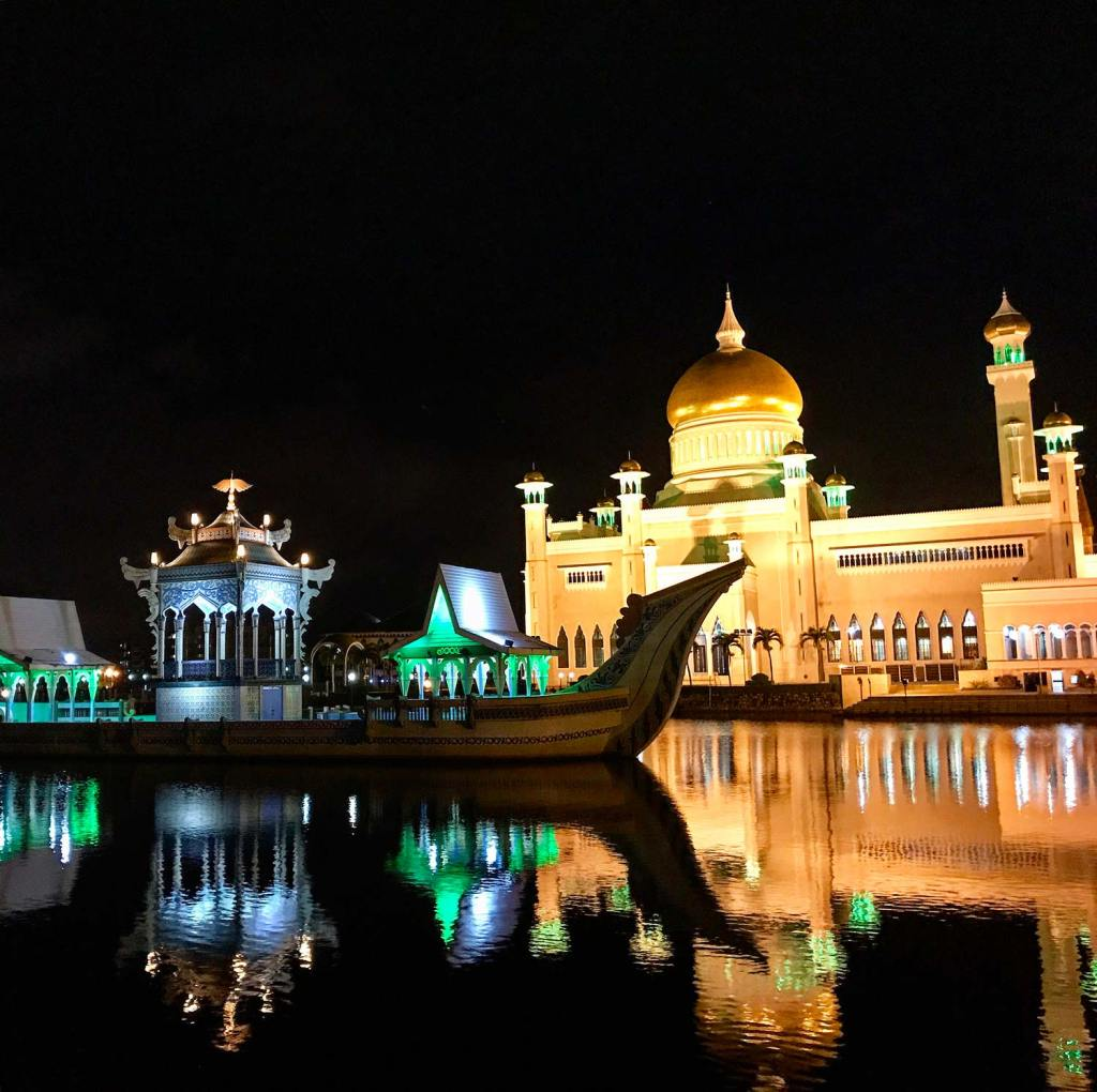 Brunei-Mosque-At-Night