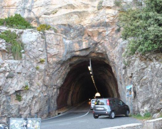 Tunnlar