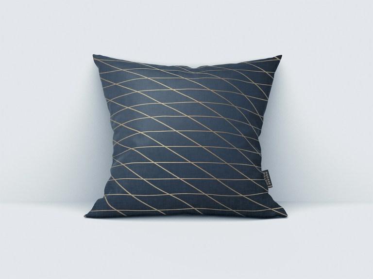 Elegant square pillow