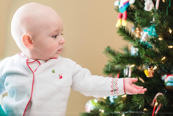 Midlothian-Richmond-VA-Family-Holiday-Christmas-Tree-Baby-First-Photo-Session-Photography (10)
