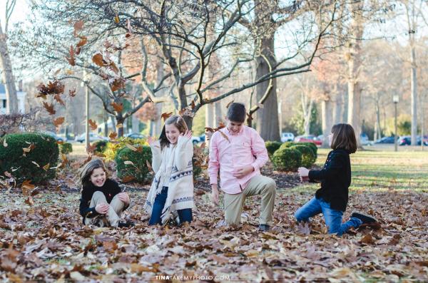 VA-virginia-family-photographer-kids-children-siblings-sunny-ashland-randolph-macon-fall-leaves-playing-laughing