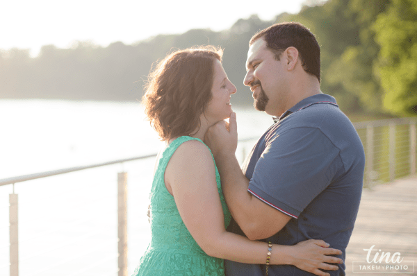 Maryland-Engagement-Wedding-Photographer-Sunny-Summer-Leonardtown-Photo-Session-Waterfront-06