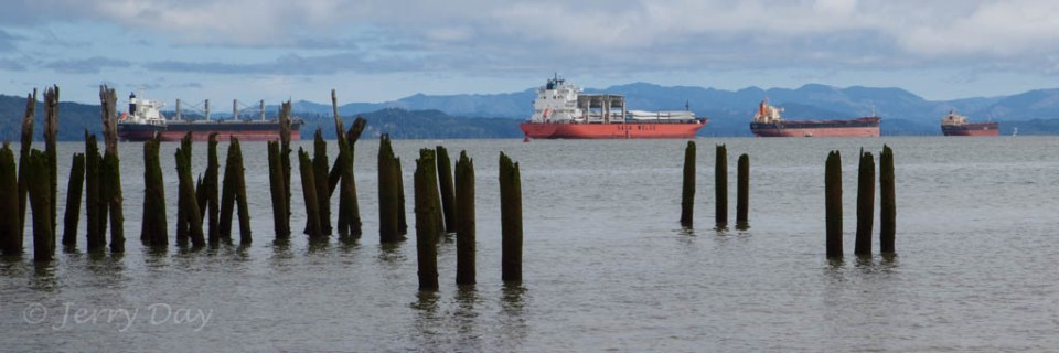 Columbia River Ships