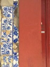 Azulejos in Porto mit Haustür