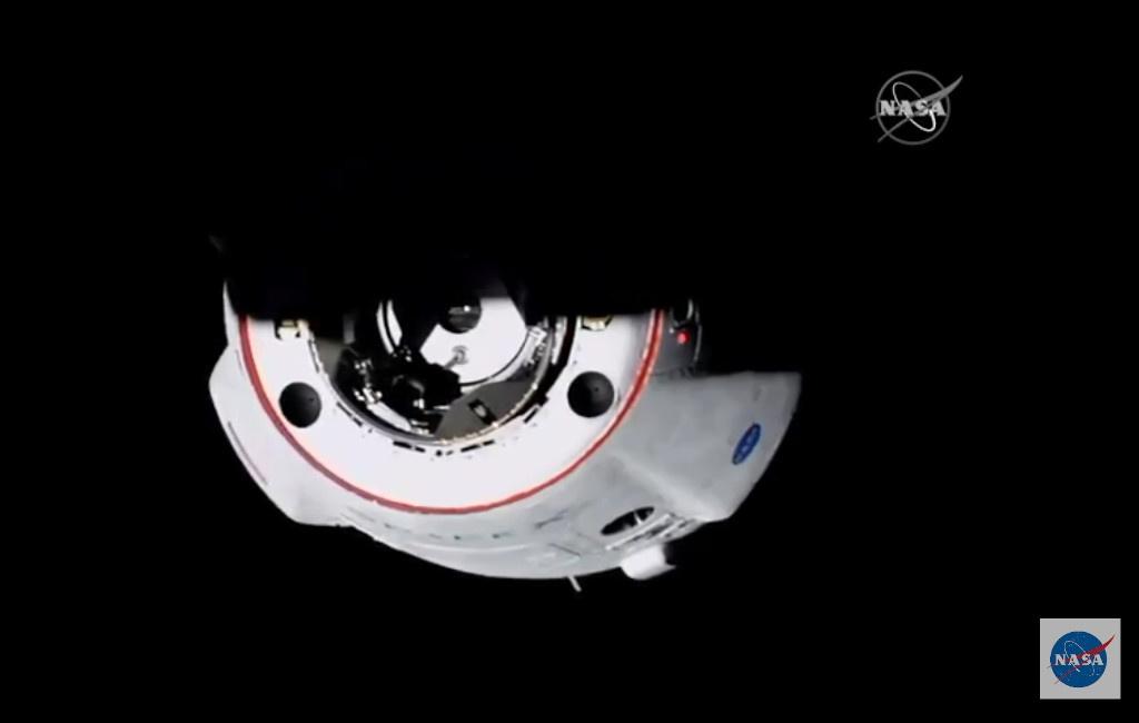 La cápsula Crew Dragon llegando a la ISS
