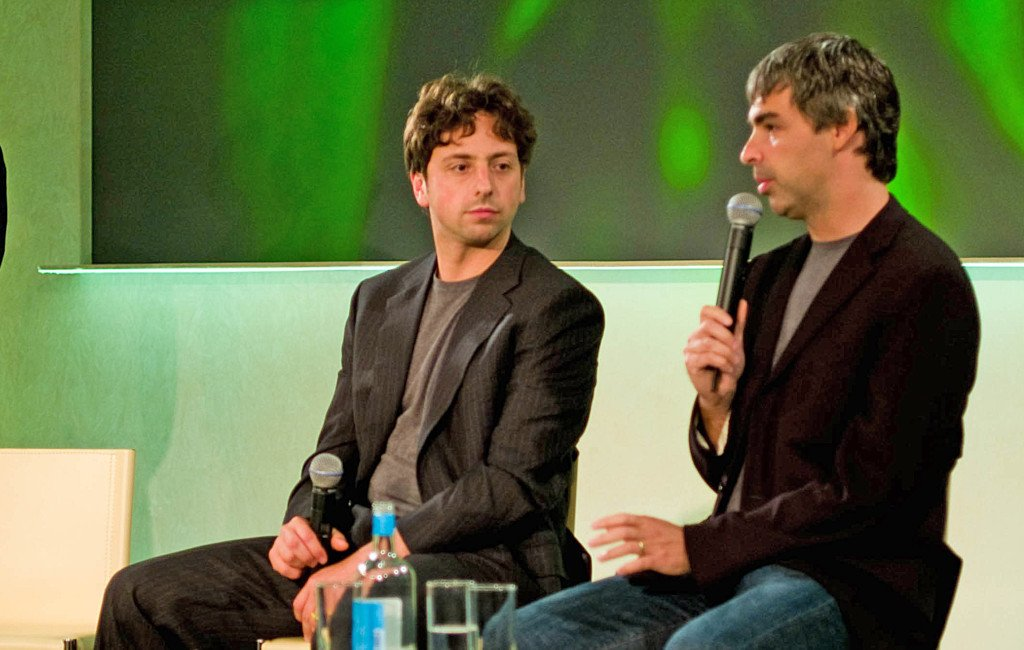 Larry Page y Sergey Brin en una conferencia