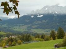 Klar zu erkennen - während in Oberstdorf noch Herbst ist, ist weiter oben schon der Winter da (2011)