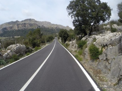 Endlose Straßen ... der ein oder andere Streckenabschnitt hat sich schon etwas gezooooogen ...
