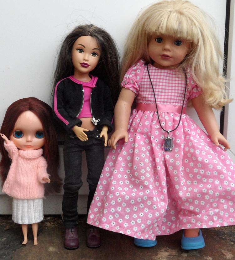 Mattel Teen Trends compared with Blythe and Madame Alexander