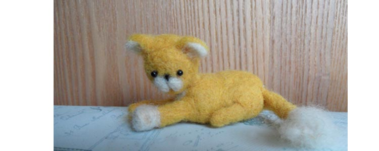 Simple needle felted cat