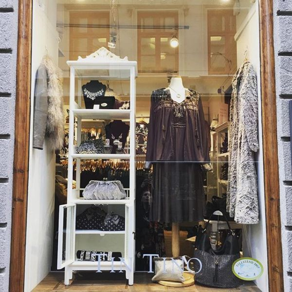 Nytt från @cream_dkcompany @cream_sverige i skylten #cream #tintino #new #inspo #fashionlover #fashioninsta #fashionista #ilovefashion #gothenburg #newin #dress #winterfashion