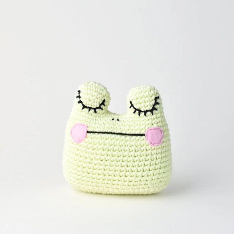 Close up of finished Amigurumi Frog made with the free crochet pattern by Tiny Curl.