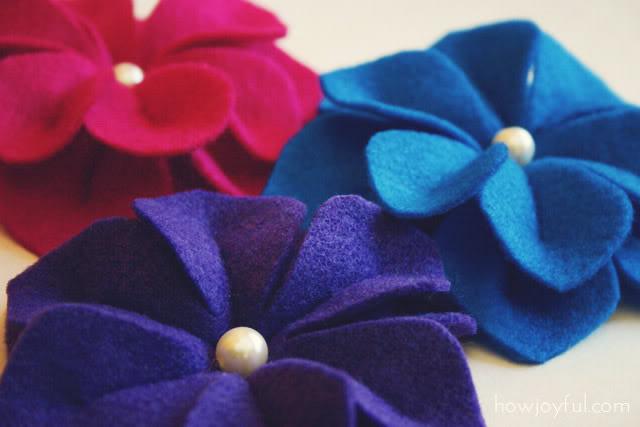 How to make a felt flower