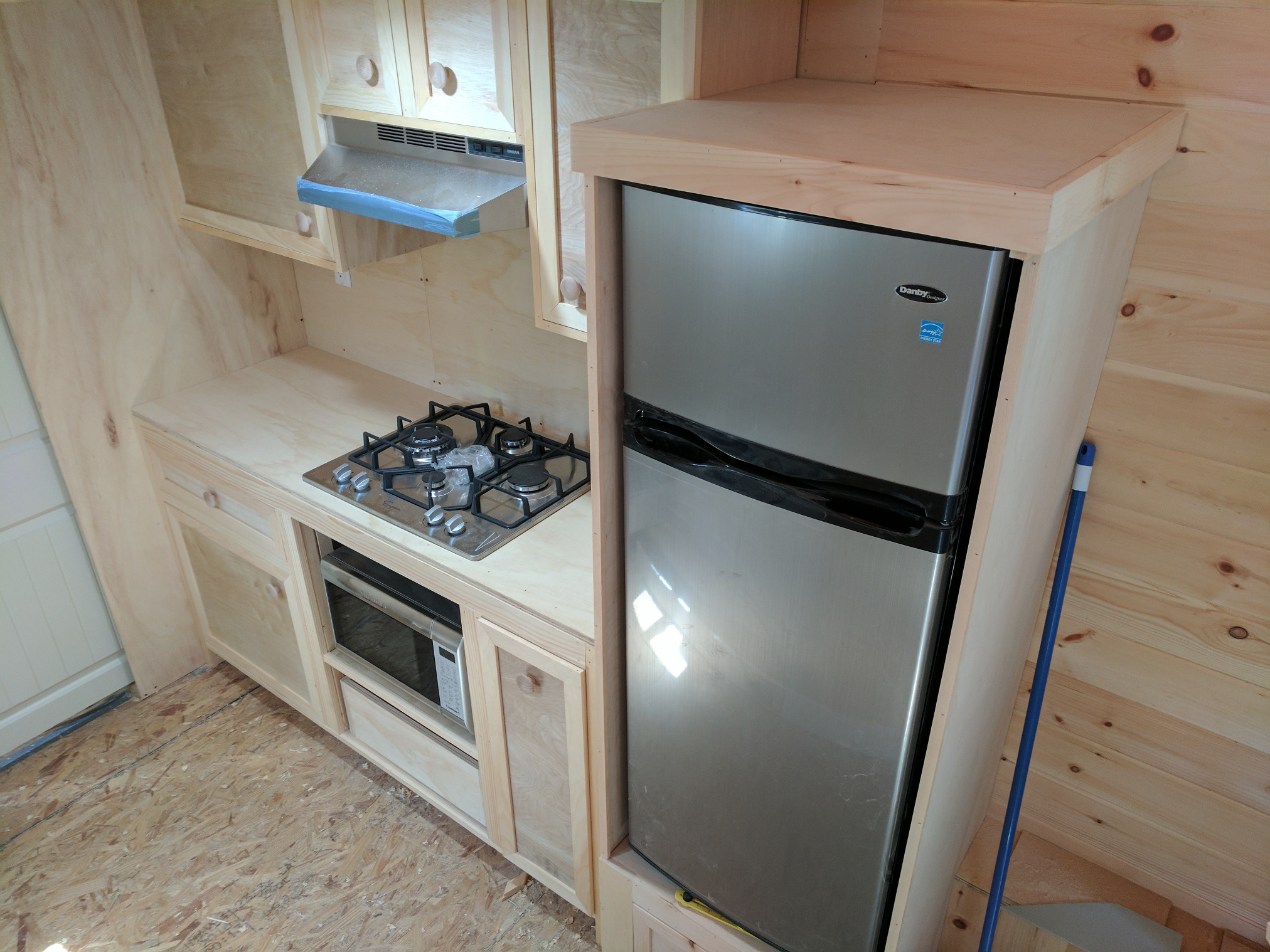 Tiny House Kitchen Part 10: Cooking Station - TinyHome.io