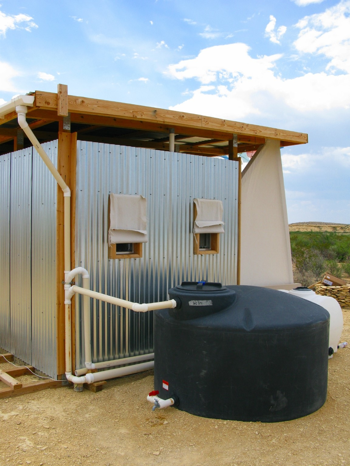 The field lab extremely sustainable homestead for Household water tank design