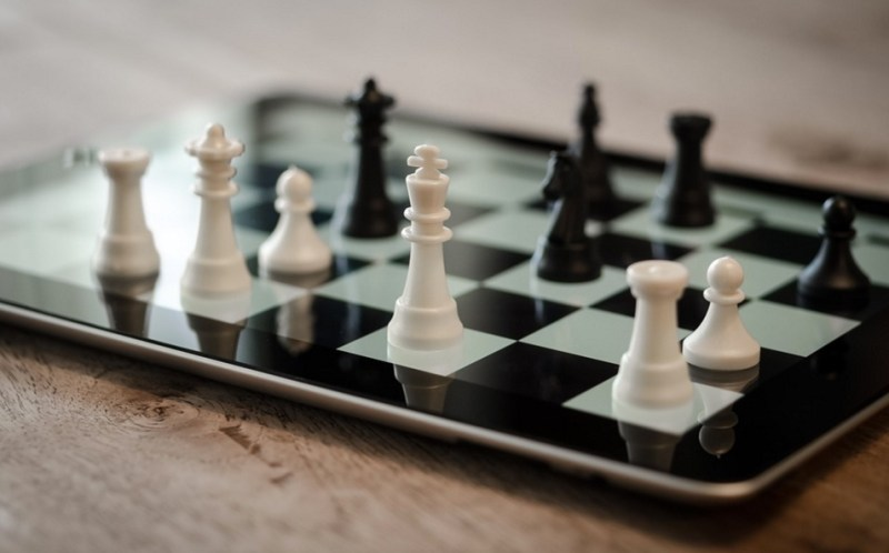 https://pixabay.com/en/chess-ipad-3d-digital-strategy-1214226/