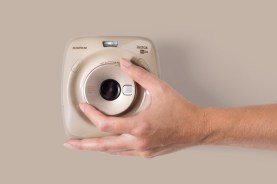 INSTAX_SQUARE_SQ20_beige_zoom