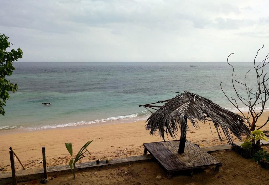 mata bambu 2 homestay, pulau hatta, maluku
