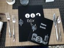 Copertina menu con oggettino in plexiglas