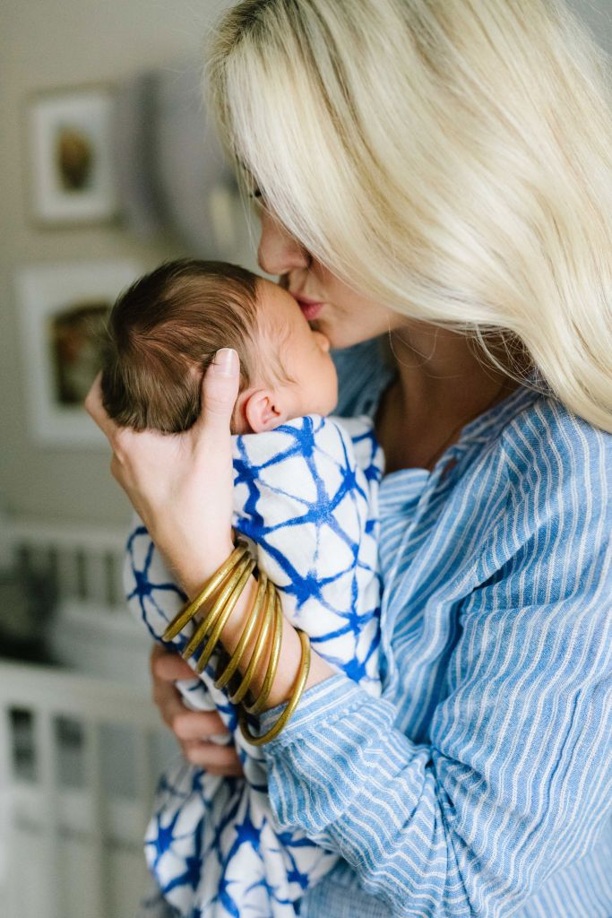 15 things to bring to friends with new babies