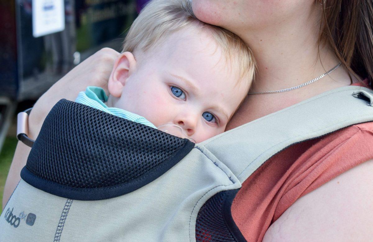 DXgo sling - snuggled up
