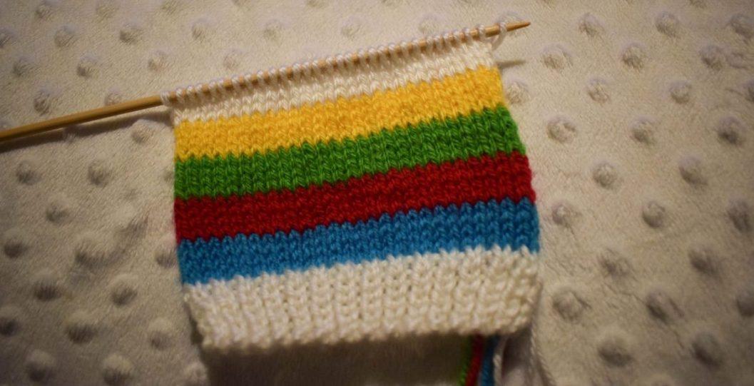 Free Knitting Pattern - Rainbow Baby Mittens - stocking stitch done
