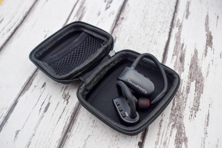 Product Review - SoundPEATS - Q16 Headphones + carry case
