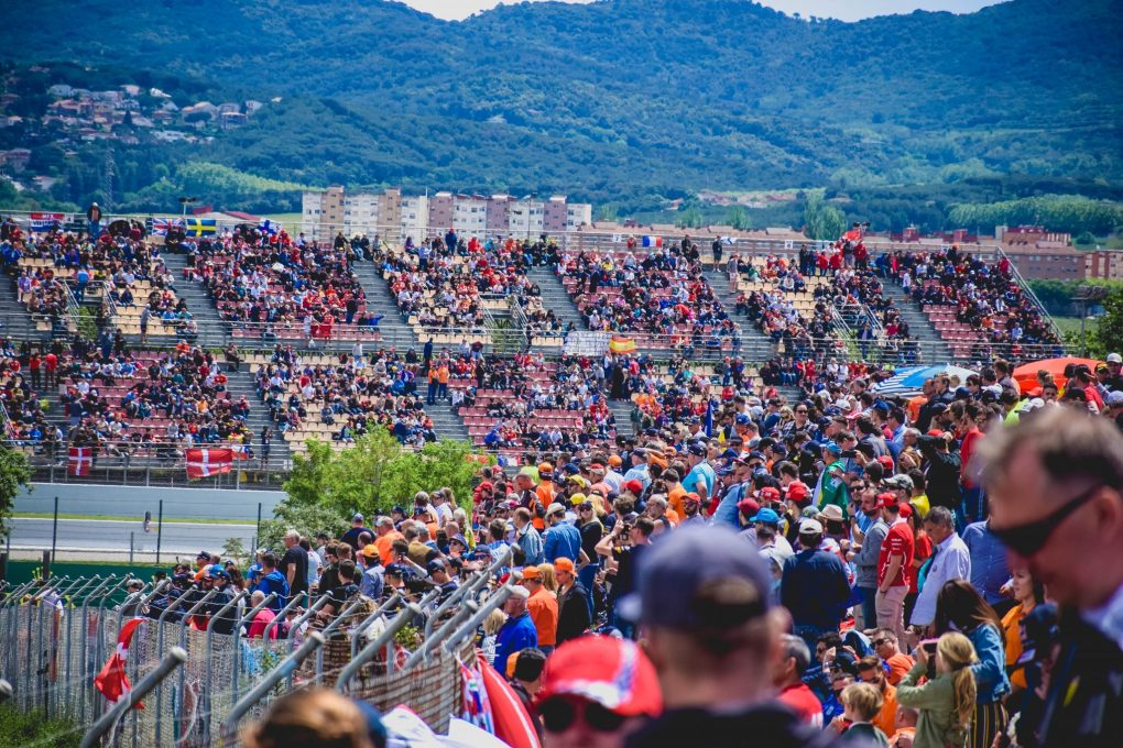 F1 Fun at the Spanish Grand Prix - the bank on turn 6