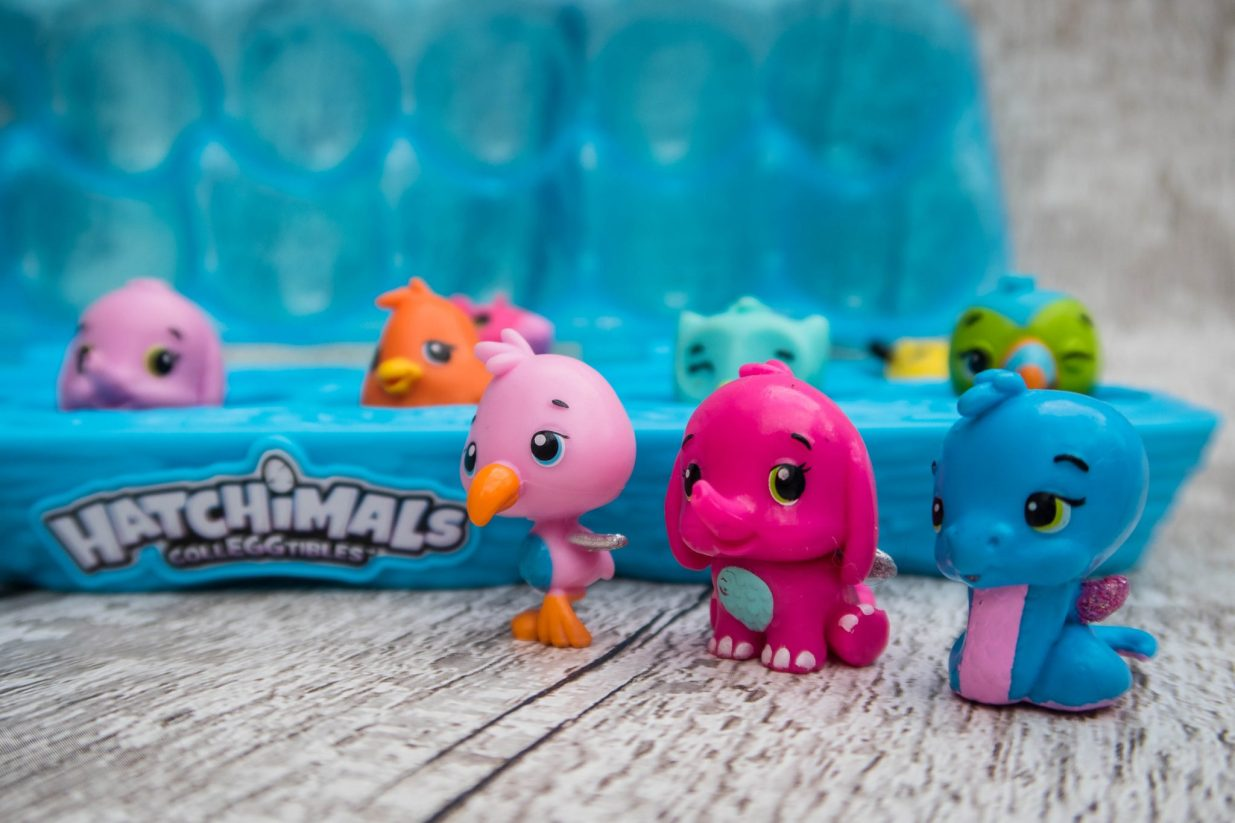 What to buy a 4 year old girl - hatchimals
