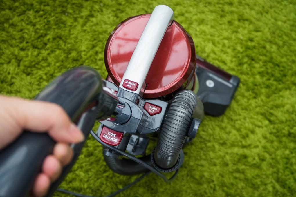 Hoover Velocity Evo - in use