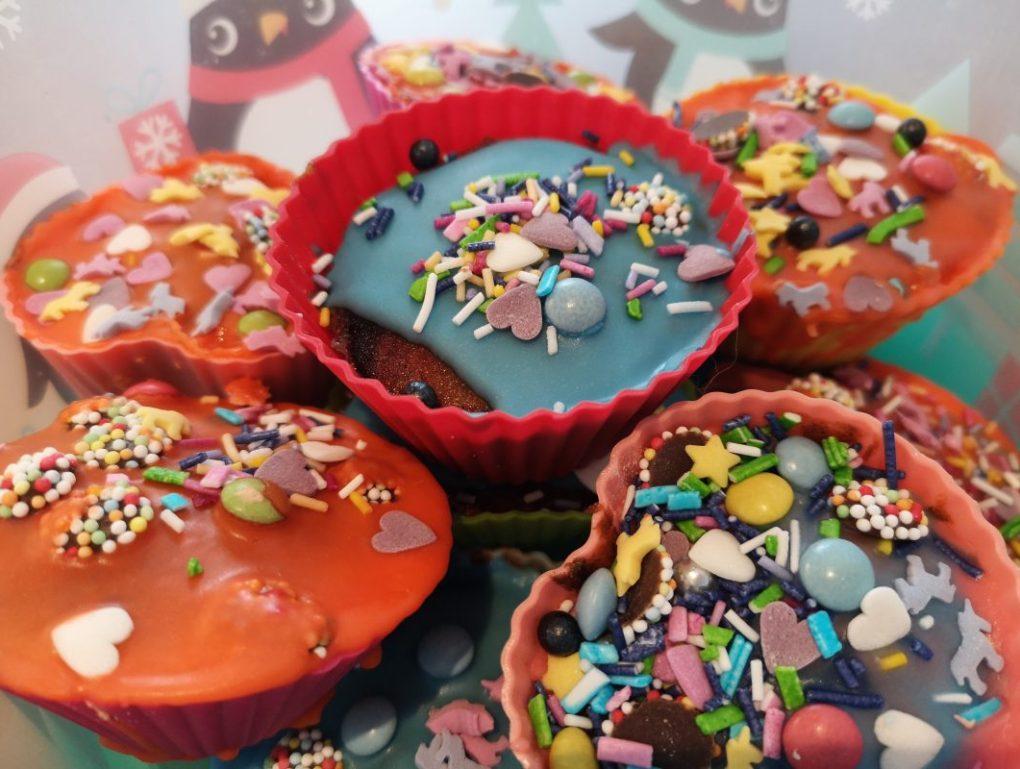 Indoor fun for kids - bake